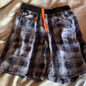 Lululemon size M men's shorts